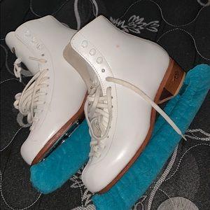Shoes - ice skates